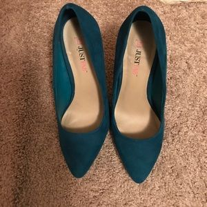 💖💖 JustFab Turquoise Suede Heels Size 7.5 💖💖
